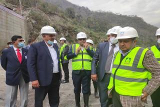 सरकारी उच्चस्तरीय टोलीद्वारा अरुण–३ जलविद्युत परियोजना निरीक्षण